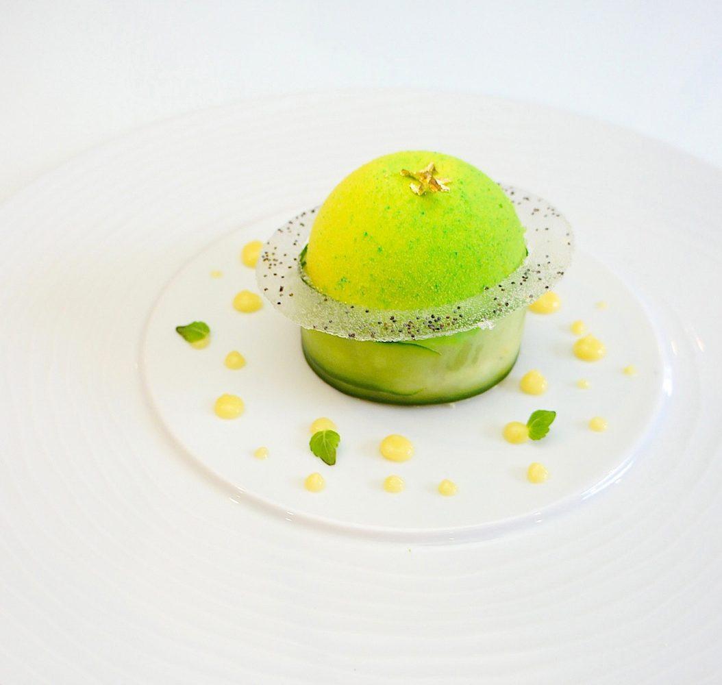 Dessert sphère verte