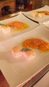 Carpaccio de saumon à l'aneth, curry et ses petites mousses